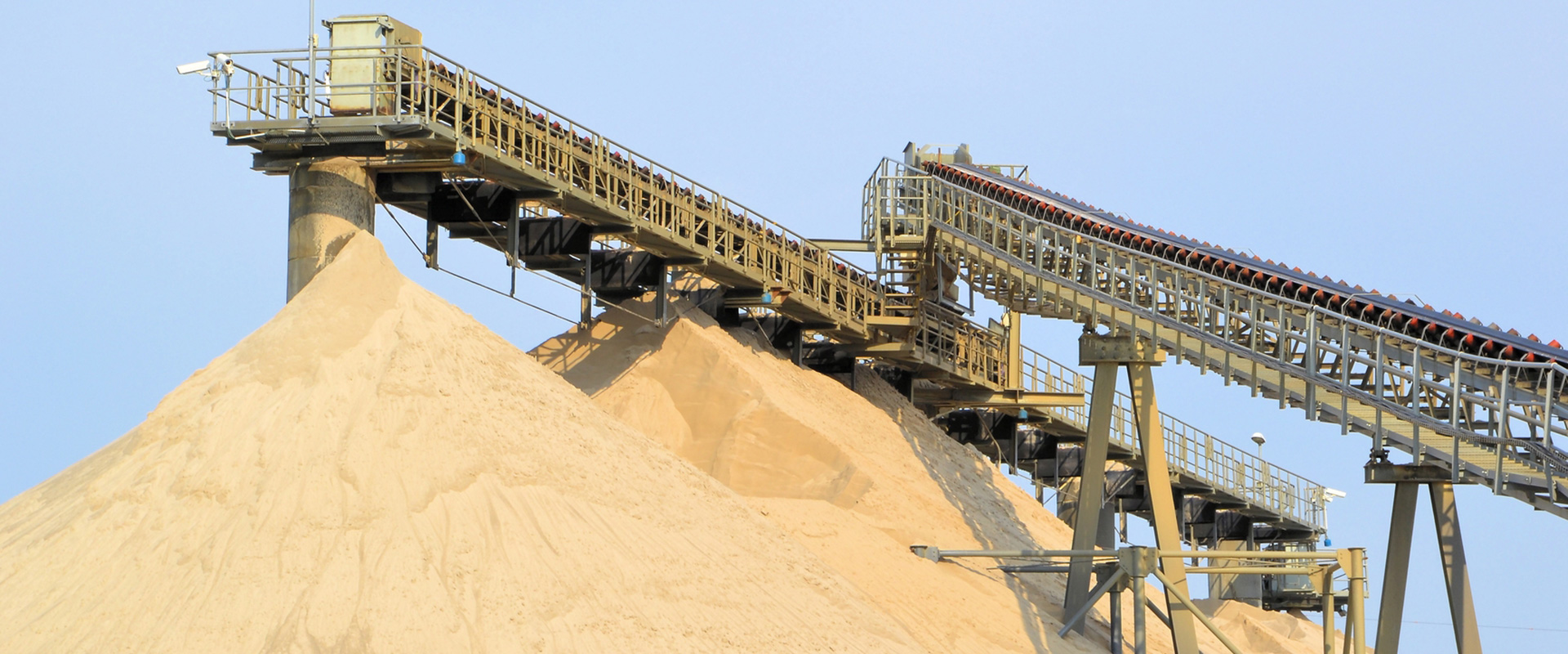stacker conveyor belt in a sand quarry